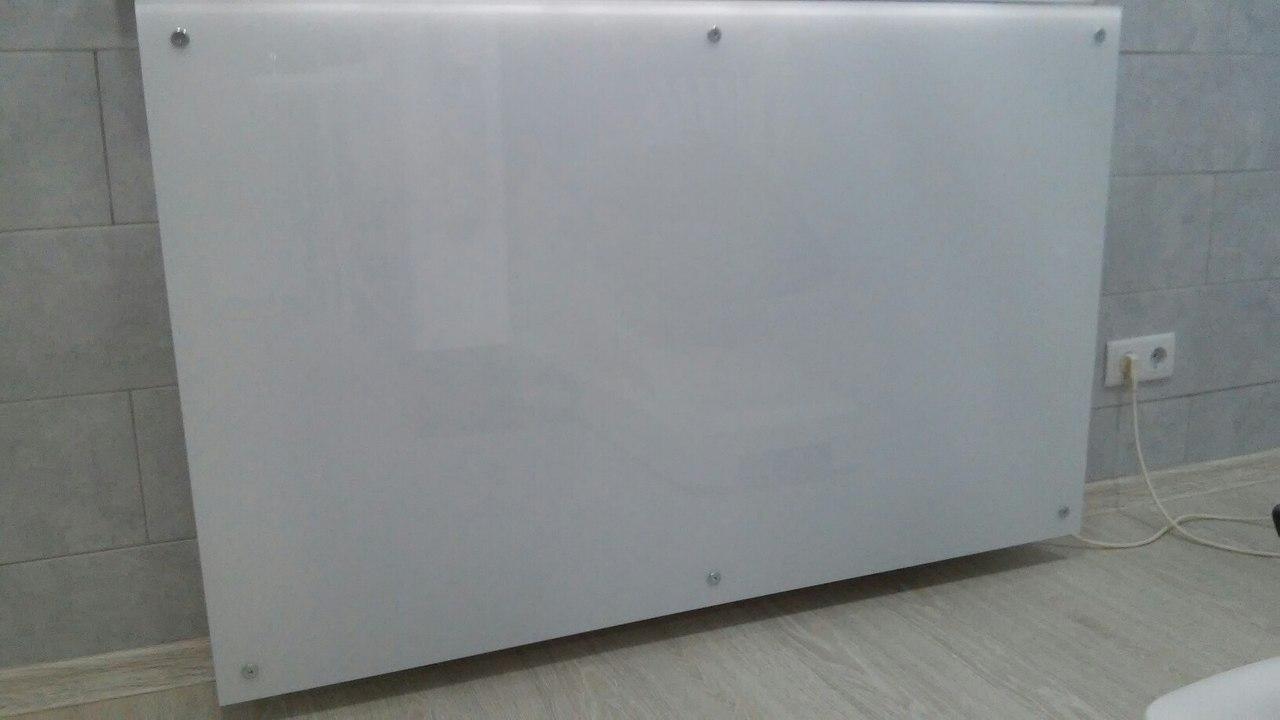 стеклянный экран для батарей